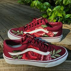 vans, red, and shoes image Tenis Vans, Vans Sneakers, Vans Shoes, Sneakers Fashion, Fashion Shoes, Shoes Heels, Pumps, High Heels, Floral Sneakers