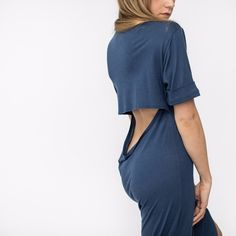 Meet the Limited Edition Bamboo Nightfall Maxi. A passion project born out of our desire to design the perfect sleep dress. Made from Bamboo Jersey which is thermo-regulating and incredibly soft to the touch. A slightly wider crew neckband is on-point and modern side slit provides ease of movement in and out of bed. But ladies, it's all about the back...side with this dress. A feminine, flattering drape maximizes airflow for all the hot sleepers out there and highlights your...
