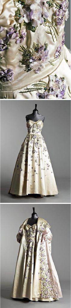 An important Pierre Balmain ball gown and matching evening coat, Autumn/Winter 1955