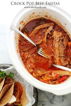 Crock Pot Beef Fajitas - Make the best, most delicious Crock Pot Beef Fajitas with this super easy recipe!