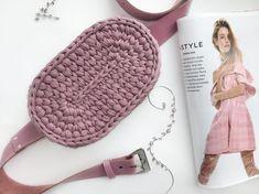 이번 가을은 코바늘 벨트백 가방 이닷! (힙색뜨기 방법 첨부) : 네이버 블로그 Crochet Belt, Crochet Pouch, Knit Or Crochet, Mochila Crochet, Handbag Tutorial, Yarn Bag, Tapestry Bag, Finger Knitting, Crochet Needles