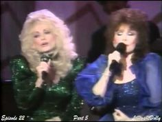 Dolly Parton & Loretta Lynn Medley on Dolly Show Country Music Videos, Country Music Stars, Country Music Singers, Country Artists, Country Western Songs, Country Songs, Country Girls, Sound Of Music, Music Love