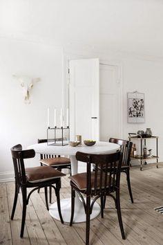 VM designblogg: Κλασική Καρέκλα Αναζητεί Συντροφιά
