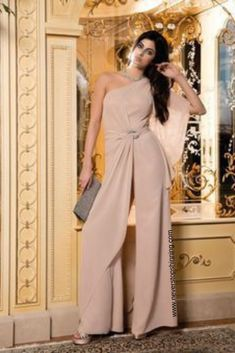 Simple and easy ways to wear a Jumpsuit - Never Stop Shinning Look Fashion, Womens Fashion, Fashion Design, Evening Dresses, Prom Dresses, Formal Looks, Mode Hijab, Elegant Outfit, Trendy Dresses
