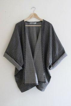 Bohemian Navy Blue Diamond Print Woven Winter Kimono Cardigan