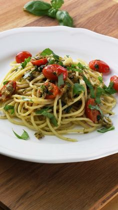 Quick pasta with olive pesto