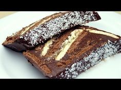 No-Bake Cocoa Biscuit Cake Recipe – About Sweets Köstliche Desserts, Sweets Recipes, Delicious Desserts, Cake Recipes, Yummy Food, Homemade Chocolate, Chocolate Recipes, Christmas Trifle, Cake
