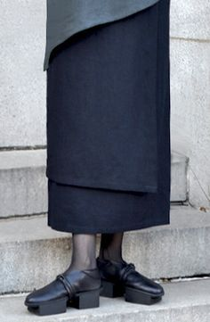 Pieces Skirt. Great idea-easy to make. Maybe sew different removable overlays?