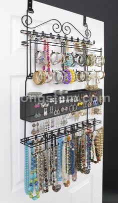 Over the Door Jewelry Organizer #closetorganization