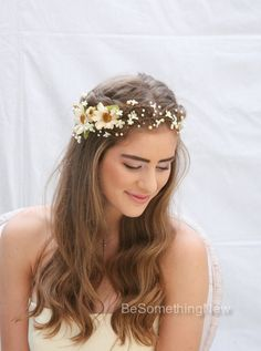 Bridal Hair Wreath Rustic Floral Hair Vine of Ivory Daisies and Pearls, Beaded Woodland Wedding Halo, Flower Crown. Boho Wedding Headpiece.  This fall wedding floral hair vine features ivory and gold pearls wired in with small ivory daisies, at the side are some larger dark ivory daisies and green leaves. It can either sit on top of your head or across your forehead. At the back are little wore loops to make it easy to pin into your hair with bobby pins, but if you would like I can also add…