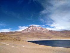 Lago y Volcán Miñiques