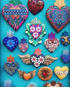 art mexicano Art Mexicano Sacred Heart Id - art Mexican Crafts, Mexican Folk Art, Henna Tattoos, Valentine Day Table Decorations, Heart Decorations, Tin Art, Heart Crafts, Web Design, Sacred Heart