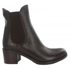 Fitzpatrick's shoes beautiful Italian leather short boot with elasticated material at the side for ease of fit. Available in black and brown leather.