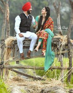 52 Ideas For Wedding Photos Booth Romantic Couple Wedding Dress, Punjabi Wedding Couple, Wedding Couple Photos, Punjabi Couple, Sikh Wedding, Wedding Pics, Wedding Couples, Pre Wedding Poses, Pre Wedding Shoot Ideas