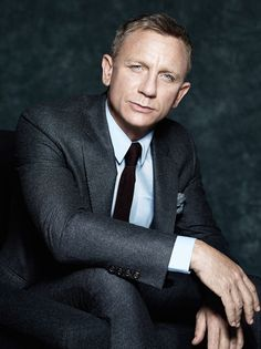 Discover our fabulous collection of James Bond Daniel Craig suit. if you want to know How to dress like James Bond than read this Daniel Craig style guide. James Bond Daniel Craig, Daniel Craig Suit, Daniel Craig Style, Craig Bond, Terno James Bond, James Bond Suit, Bond Suits, James Bond Style, Rachel Weisz