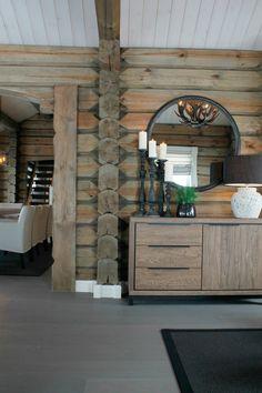 Koselig hytte i Røldal Mountain Cottage, Cabin Interiors, Dining Room Inspiration, Wooden House, Rustic Elegance, Log Homes, Cozy House, Sweet Home, Home Decor