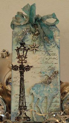 Winter/Christmas Tag with deer and lamppost Christmas Gift Tags, Xmas Cards, Handmade Christmas, Christmas Crafts, Winter Christmas, Christmas Lights, Stampin Up Karten, Handmade Tags, Paper Tags