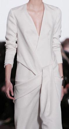 Yiqing Yin Haute Couture Spring 2015