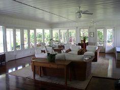 Historic Beachfront Cottage on Hanalei Bay