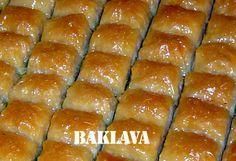 Baklava türkiyemize  maal olmuş evrensel bir tatlı olmuştur.Telif hakkını aldığımız tatlının evde yapılışını http://www.yemektarifleripratik.com/baklava-tarifi/ en güzel baklava tarifini deneyin