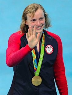歓声に応えるレデッキー :フォトニュース - リオ五輪・パラリンピック 2016:時事ドットコム
