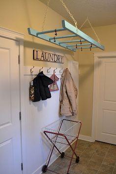 Nice way to hang clothes.  Garderobe. Flur. Eingang.   Seen at  http://beautifullybellafaith.com/blog/30-organization-tips-tricks-and-ideas-that-will-make-you-go-ah-ha/