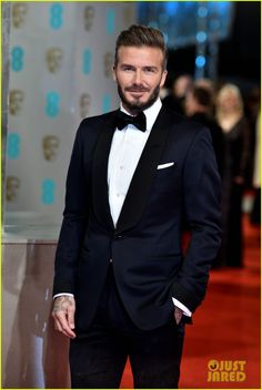 David Beckham Looks So Hot in His Tuxedo at BAFTAs Photo David Beckham is one dapper dude while making his red carpet entrance at the 2015 EE British Academy Film Awards held at The Royal Opera House on Sunday (February… Blue Tuxedo Wedding, Black Tie Tuxedo, Wedding Tux, Tuxedo For Men, David Beckham Suit, David Beckham Style, Men's Tuxedo Styles, Designer Suits For Men, Best Dressed Man
