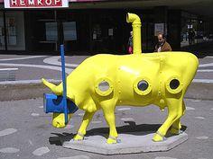 Cow Parade Yellowsubmoorine