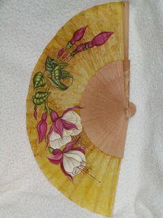 Abanico pintado a mano