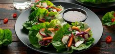 Need a refreshing and filling entree that is perfect for warmer summer days? Make these lettuce wraps to nourish and energize your body. Cobb Salad, Caprese Salad, Vegan Lettuce Wraps, Sweet Chilli Sauce, Raw Vegan Recipes, Red Cabbage, Entrees, Cucumber, Onion