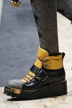 Лучших изображений доски «ОБУВЬ»  1088 в 2019 г.   Boots, Shoe boots ... 98b0acfd918