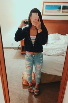 VSCO - just for the morninggg Casual School Outfits, Cute Comfy Outfits, Teenager Outfits, Cute Casual Outfits, Teen Fashion Outfits, Cute Summer Outfits, Outfits For Teens, Casual Jeans, Spring School Outfits