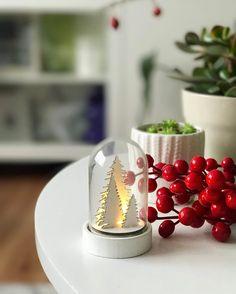 """52 kedvelés, 2 hozzászólás – Emese (@twinstahome) Instagram-hozzászólása: """"Hangolódom lassan de biztosan🌲#season #holiday#decor#kik#christmasdecorations…"""""""