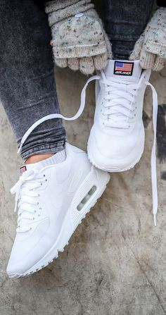 low priced 572d3 42fda We must have a all white air max 90 this autumn. Air Max Branco,