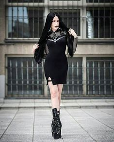 A page were you can see that goth can still mean beautiful . A place to be Goth and proud. Hot Goth Girls, Gothic Girls, Witch Fashion, Gothic Fashion, Steam Girl, Gothic Models, Goth Women, Digital Art Girl, Sexy Shirts