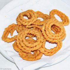 South Indian Kai Murukku - Spiral Rice Flour Deep fried Snack made during festivals like #Janmashtami #KrishnaJayanti  #DeepFried #SouthIndianSnacks #Recipes #DetailedRecipe #VintageRecipes