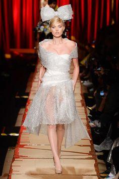 MFW  Fall Ready-to-wear 2017 MOSCHINO Model: Elsa Hosk