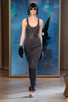 The complete Max Mara Resort 2016 fashion show now on Vogue Runway.