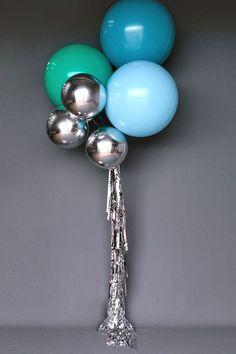 Decoración para xv años con globos http://ideasparamisquince.com/decoracion-xv-anos-globos/ Decoration for xv years with balloons #Decoracióndequinceaños #decoracióndexvaños #Decoraciónparaxvañosconglobos #globosgigantes #ideasparaquinceaños #xvaños