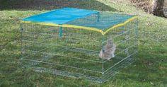 Kovový výběh pozinkovaný s dvířky se zámkem proti otevření ochranná síť proti slunečním paprskům snadná montáž rozměry 115 x 115 x 65 cm