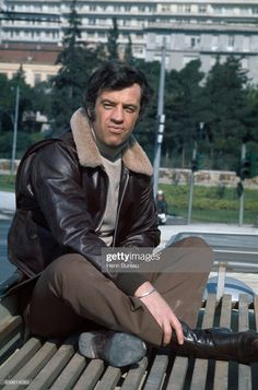 French actor Jean-Paul Belmondo during the filming of the movie Le Casse, directed by Henri Verneuil. Get premium, high resolution news photos at Getty Images Image Now, Egyptian Movies, Delon, French History, Sites Like Youtube, Video Site, Lovers Art, Jet Set, Jeans