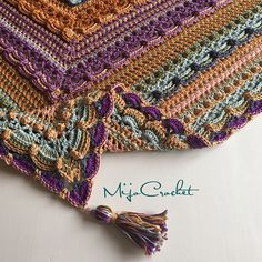 "Love the play of stitch textures & colors! ""Lost in Time"" crochet shawl pattern by Johanna Lindahl (Ravelry)."