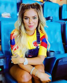 Photos of Female Fans In Copa America 2019 Top Albums, College Shirts, Fashion Eye Glasses, Girls With Glasses, Womens Glasses, Cute Outfits, Beautiful Women, Female, Instagram