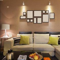 5 trucs pour accrocher vos #cadres photo | http://selection.readersdigest.ca/maison/decoration/5-trucs-pour-accrocher-vos-cadres-photo