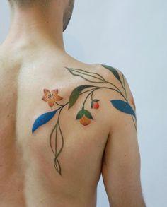 ¿Te atreverías a tatuarte las flores de tu boda? La verdad es que viendo alguno de estos artistas, Blue Ink Tattoos, New Tattoos, Body Art Tattoos, Cool Tattoos, Tatoos, Tatoo Henna, Tatoo Art, Tattoo You, Piercings