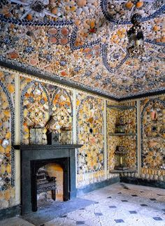 Cilwendeg Shell House in South Wales. Seashell Art, Seashell Crafts, Beach Crafts, Shell House, Beach Art, Mosaic Art, Sea Shells, Interior And Exterior, Stained Glass