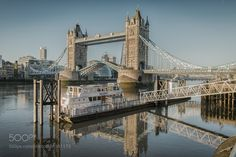 Tower bridge by jimobee