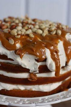 Kaikki äitini reseptit: Se banaanikakku No Bake Desserts, Vegan Desserts, Baking Recipes, Cake Recipes, Baking Ideas, Finnish Recipes, Savory Pastry, Baking Muffins, Pastry Cake