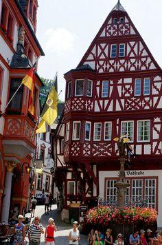 Bernkastel-Kues, Germany (by Sammiël Tewodros on Flickr)