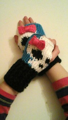 Fingerless Gloves Wrist Warmers Monster High Cutie Skull Child Sizes